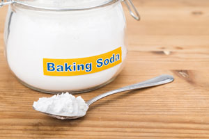 using baking soda instead of bleach to clean sponge