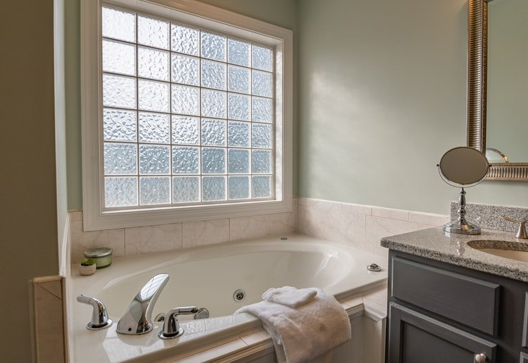 Types of Glass For Bathroom Windows