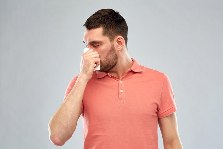 man-smelling-stniks